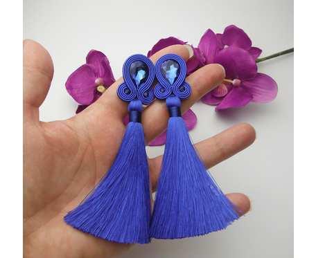 Kobalt kolczyki sutaszowe sutasz soutache, szafirowe chwosty, klipsy z chwostami, niebieskie kolczyki, kolczyki kobaltowe