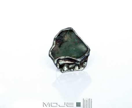 Szara zieleń jest piękna - pierścionek