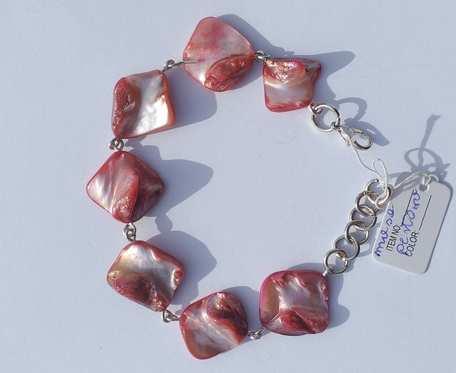 Bransoletka z masy perłowej - bryłki czerwone -  wzór IV