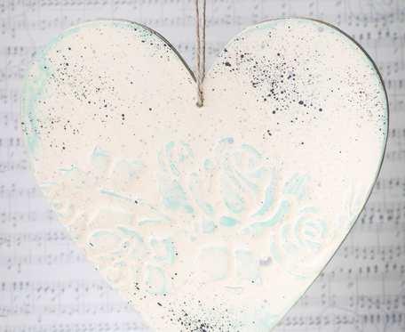 Zawieszka serce w stylu shabby chic niebieska okrągła - dekoracja walentynkowa i nie tylko