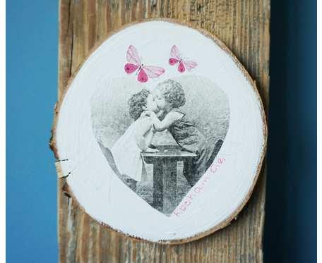 Obrazek z dziećmi w technice decoupage, na drewnianym plastrze