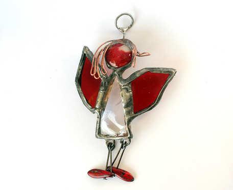 Aniołek z czerwonymi bucikami