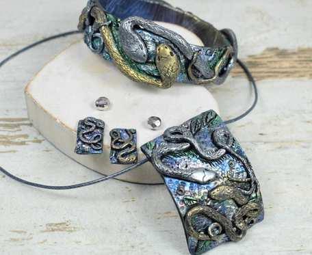 Oryginalny komplet biżuterii z motywem węża