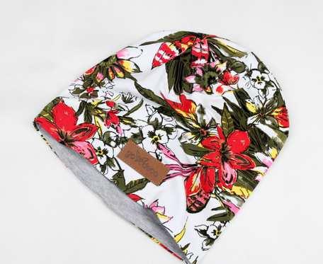 Kolorowa czapka beanie uniwersalna kwiaty