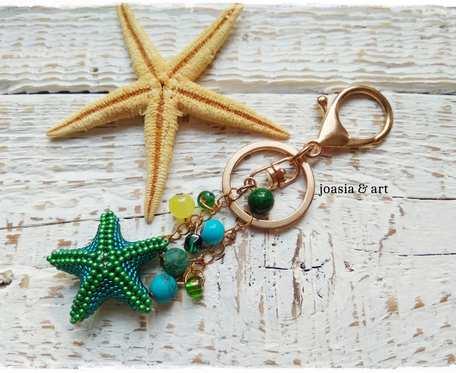 zielona rozgwiazda z koralikami