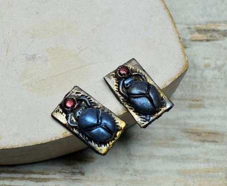 Skarabeusz- kolczyki wkrętki