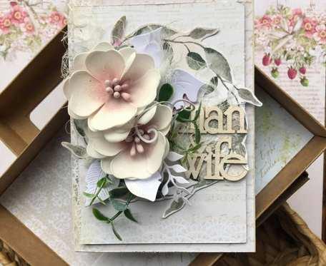 Kartka ślubna w pudełku.