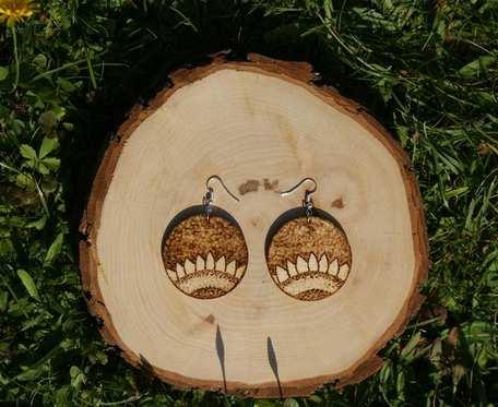 drewniane kolczyki słoneczniki
