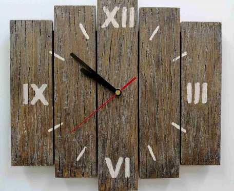 Zegar ścienny drewniany z desek