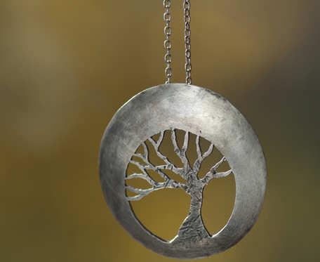 Srebrny naszyjnik drzewo