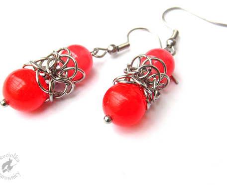 Koronkowe czerwone kolczyki chainmaille