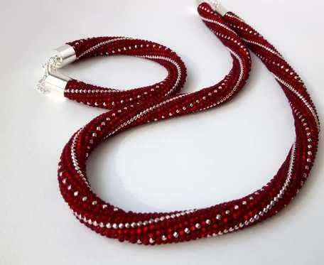 Komplet biżuterii - naszyjnik i bransoletka czerwony
