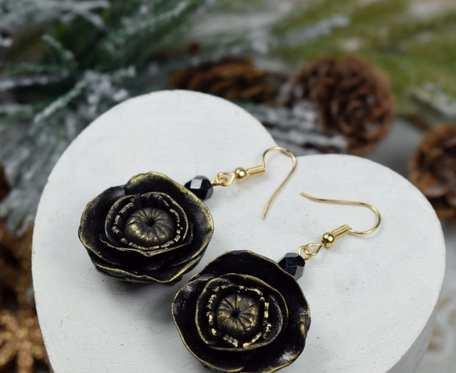 Eleganckie kolczyki czarne kwiaty