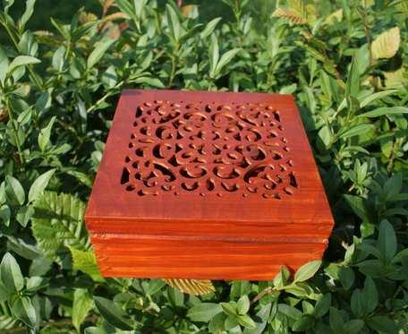 ażurowe pudełko