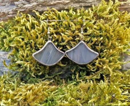 Szklane kolczyki dzwonki (szare)