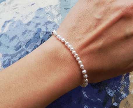 Srebrna bransoletka z perełkami