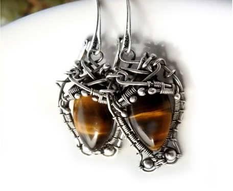 Hornet Antyczne kolczyki srebrne z tygrysim okiem