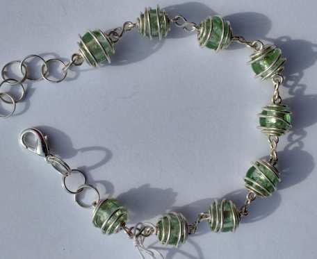 Bransoletka wire wrapping - jasna zieleń- wzór VIII