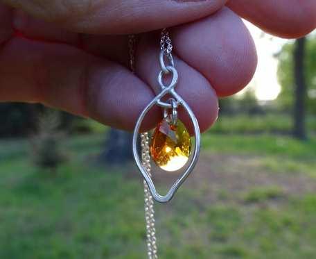 Srebrny naszyjnik z kryształkiem swarovskiego_v2