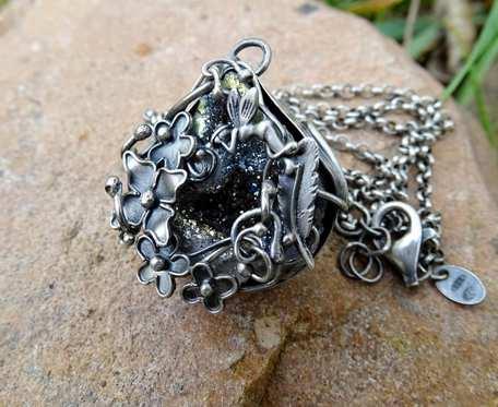 Srebrny romantyczny naszyjnik z agatem z druzą