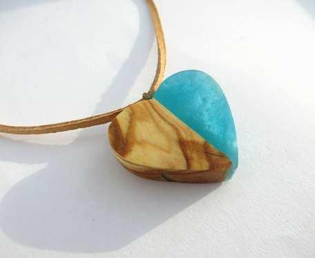 DREWNIANY WISIOREK SERCE oliwka+błękit