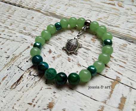 zielona z żółwikiem