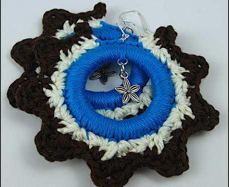 CHARLOTTA duże kolorowe szydełkowe bawełniane kolczyki z zawieszką