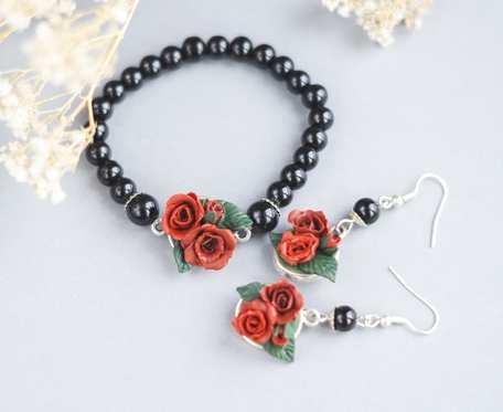 Czerwone róże komplet biżuterii