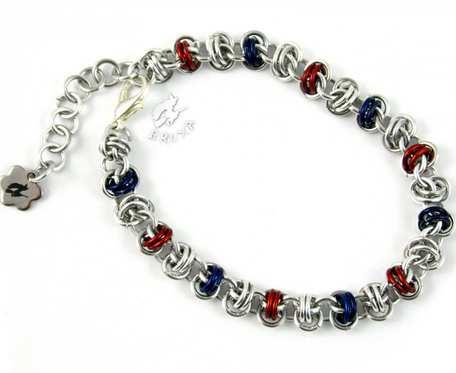 Bransoletka chainmaille granatowo-czerwono-srebrna