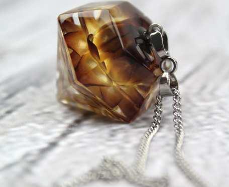 Naszyjnik diament, biżuteria z żywicy i kwiatów - wisior