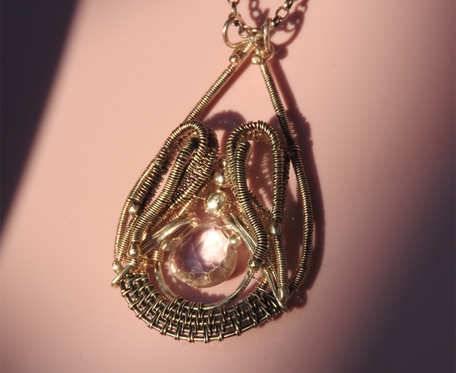 Wisiorek srebrny z różowym ametystem
