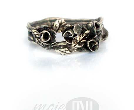 Różany... pierścionek