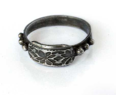Radosna drobnotka - pierścionek