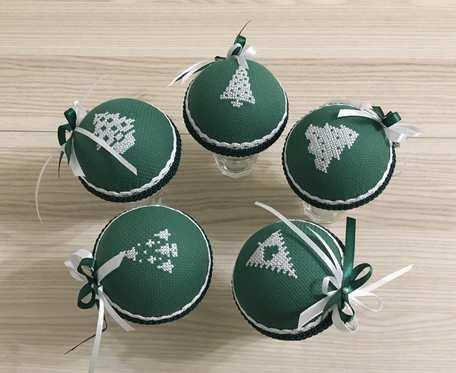 Bombki haftowane - zielone