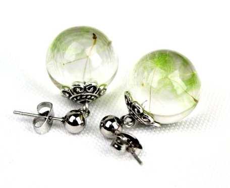 Zielone kolczyki, wiszące kolczyki, kolczyki kulki, nasiona dmuchawca w żywicy, biżuteria z żywicy