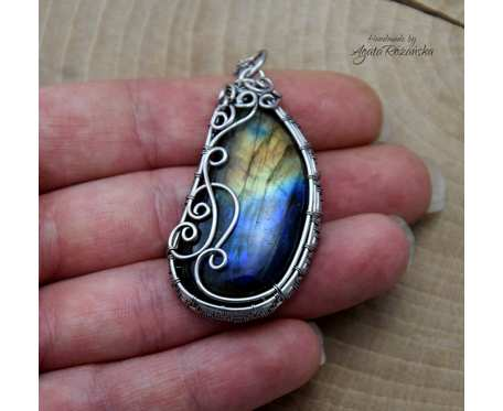 Wisiorek labradoryt, wire wrapping, stal chirurgiczna