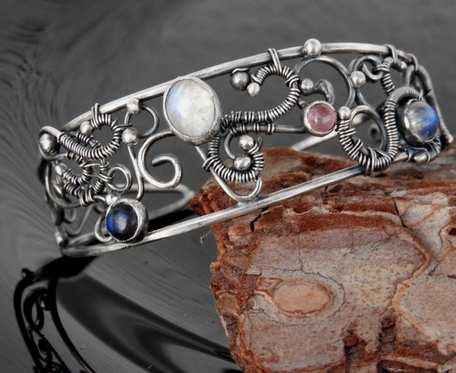Bransoletka srebrna z minerałami
