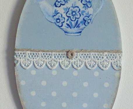 Wieszaczek kuchenny retro w błękitach