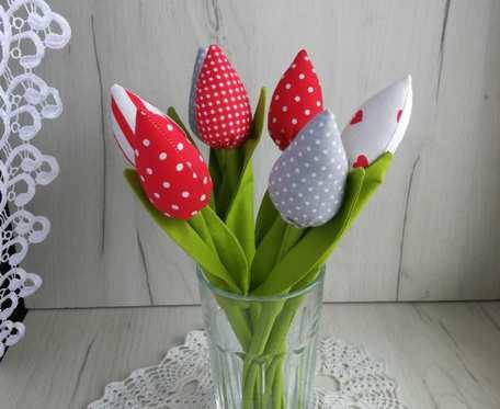 Tulipany z bawełny bukiet czerwony Dzień Matki