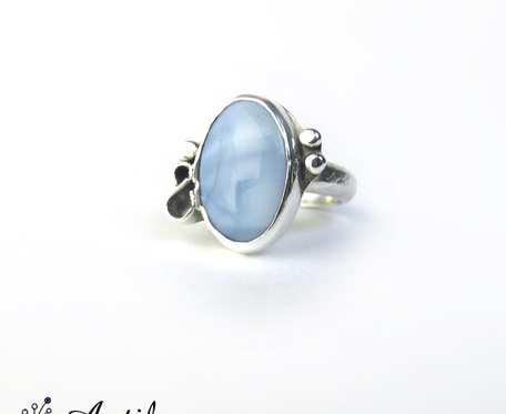 Srebrny pierścionek z niebieskim opalem, opal błękitny, r. 15