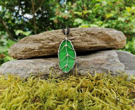 Szklana zawieszka liść dębu (zielona)
