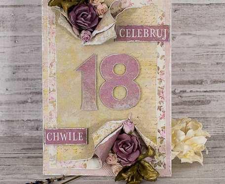 Fioletowa i kwiecista kartka na osiemnastkę