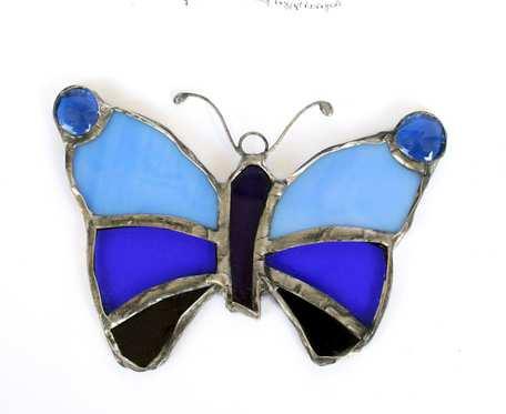Motyl w niebieskościach - zawieszka witrażowa