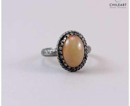 Opal z Etiopii i srebro - pierścionek 2889