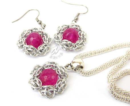 Komplet biżuterii chainmaille z kwiatkami