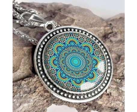 Naszyjnik z etniczną grafiką w szkle - turkusowa mandala