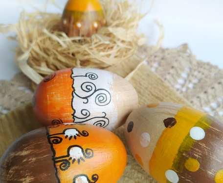 Drewniane pisanki - 4 sztuki, żółto-pomarańczowe