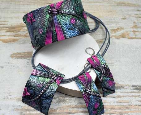 Komplet biżuterii z ważką - odcienie fuksji, srebra, zieleni