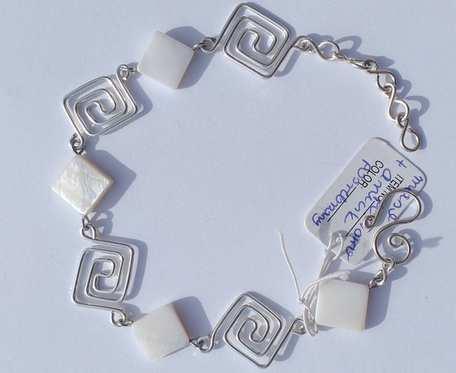 Bransoletka wire wrapping - biała - wzór II