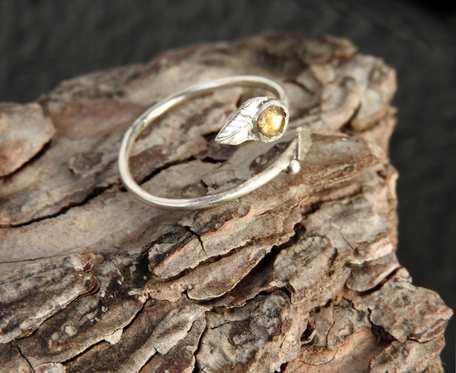 Pierścionek srebrny z cytrynem listek